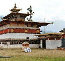 chimi-lhakhang-ngoi-den-linh-thieng-du-lich-bhutan